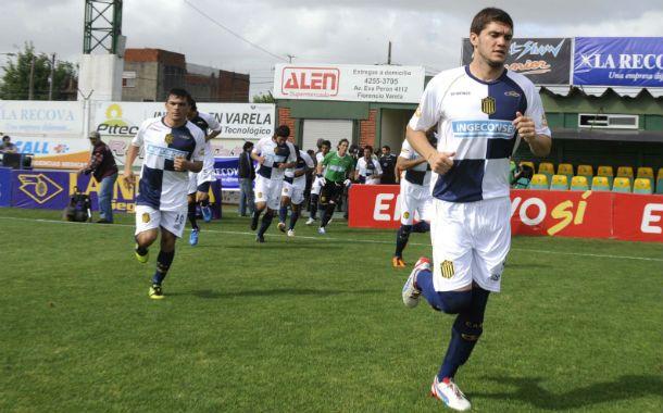 B Nacional 2012/13. Coniglio y Medina salen a la cancha en Florencio Varela.