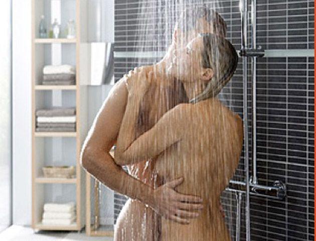 Los novedosos consejos para ducharse solo o acompañado y de manera placentera