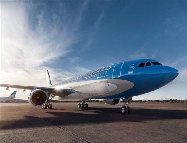 Un pasajero con coronavirus viajó en Aerolíneas y debieron aislar a todos los pasajeros