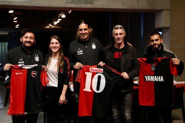 El cuerpo técnico de la selección femenina fue recibido por el vice leproso Cristian DAmico.