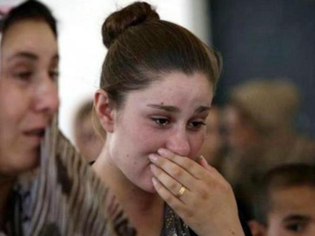 Tiene 17 años y fue secuestrada junto a otras yazidíes por las milicias del Estado Islámico en Irak. Es violada varias veces todos los días.