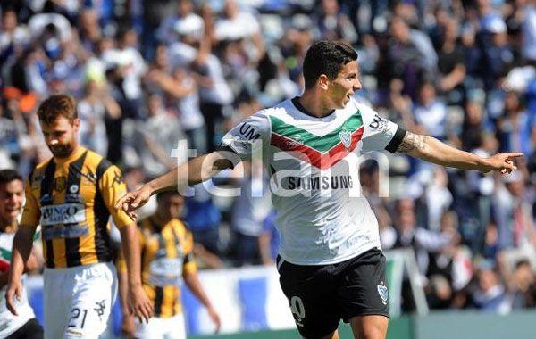 El juvenil Brian Ferreira celebra su gol