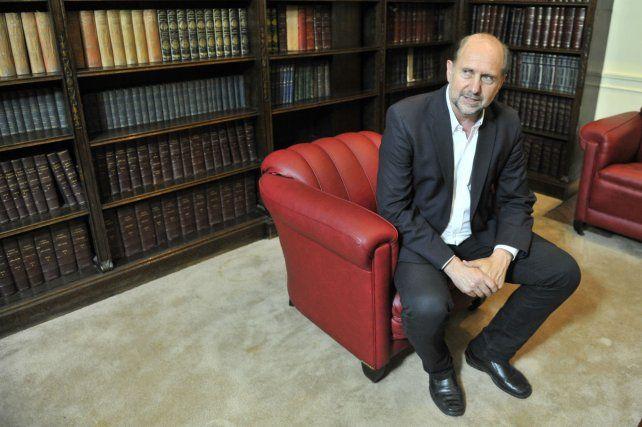 El armador. Perotti quiere involucrar a sectores del PJ en su su gabinete.