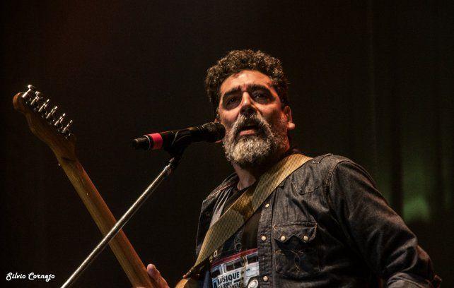 Ricardo Tapia llega  con más rock y blues
