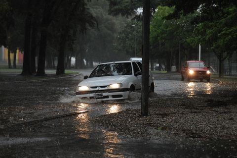 Prevén que hasta el viernes seguirán las lluvias en la zona central del país. (Foto: A.Celoria)