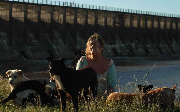 Vida de perros. La película retrata la vida de una mujer del conurbano bonaerense interpretada por Verónica Llinás.