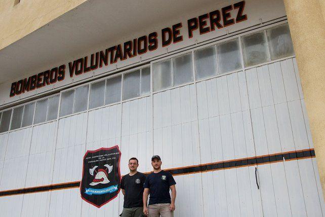 Los bomberos voluntarios de Pérez procedieron ayer al mediodía a constatar el nivel de gas que podía haberse depositado en los distintos galpones y a ventilarlos.