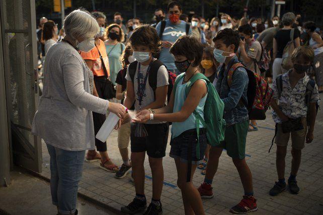 España registró más de 27 mil contagios durante el fin de semana