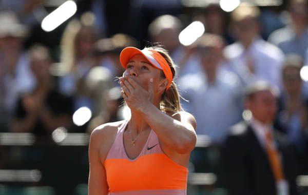 Sharapova celebra su triunfo ante la juvenil veinteañera canadiense. (Foto: AP)