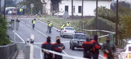 Muere Guardia Civil en atentado de la ETA en España