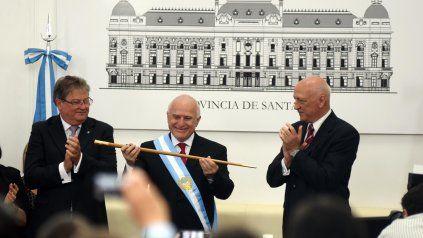 Lifschitz recibe los atributos de gobernador de Santa Fe de manos de su antecesor el también socialista Antonio Bonfatti.