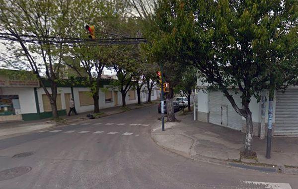 Los delincuentes huyeron por Arijón y Dorrego pero fueron atrapados seis cuadras más adelante. (imagen: captura Street View)
