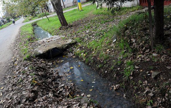 Importantes. Los colectores para evacuar las aguas residuales son obras básicas para evitar las zanjas.