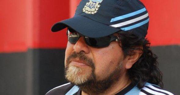 Murió Eduardo Paz, el doble de Diego Maradona que vendía gaseosas en el Coloso