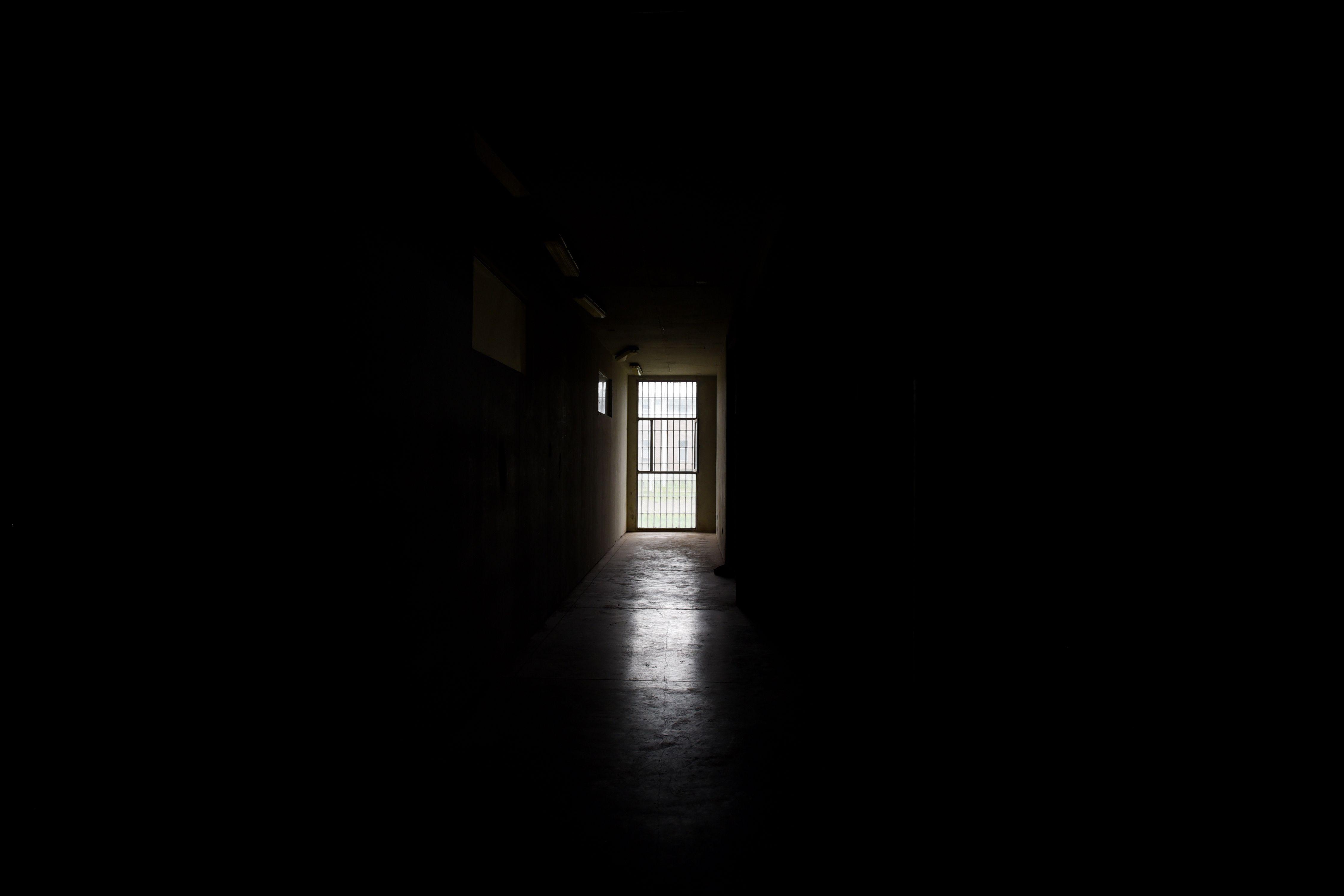 La provincia hoy se ocupa de que presos federales con salidas retornen a los penales o cumplan su domiciliaria. (Celina Mutti Lovera)
