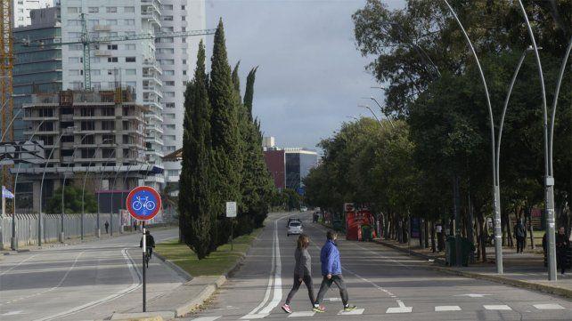Las restricciones al tránsito de vehículos particulares rigen desde el sábado.