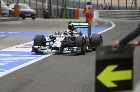 El inglés y su Mercedes parecen tener el camino libre para pelear el título.