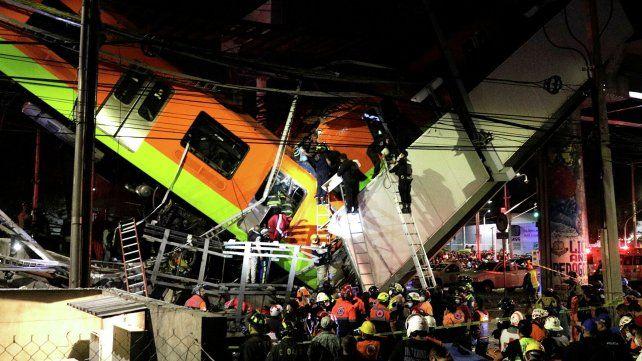 Estación Olivo de la línea 12 del Sistema de Transporte Colectivo Metro luego de colapsar un puente y desplomarse un tren