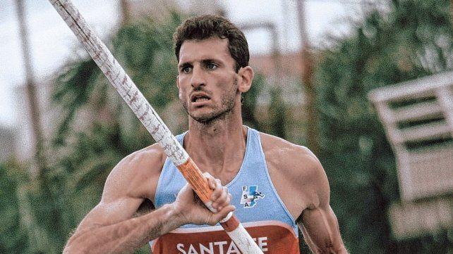 El santafesino Germán Chiaraviglio consiguió una marca de 5.55 y se consagró campeón argentino de salto con garrocha.