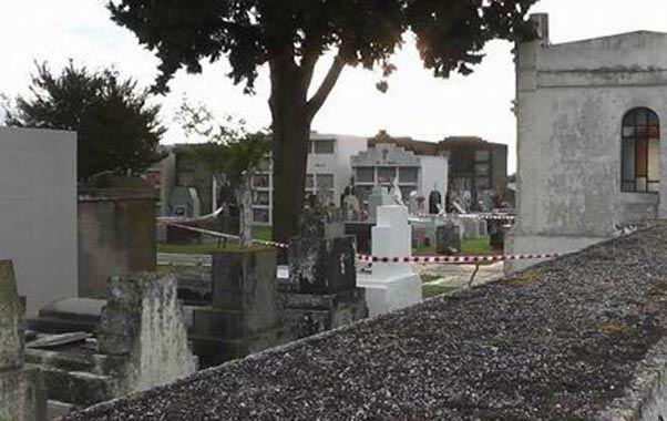 El cementerio de Carrilobo. Según el informe policial el escenario del crimen fue la misma necrópolis.