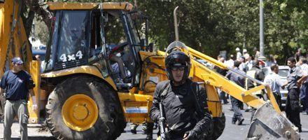 Matan a un palestino que embistió vehículos con una retroexcavadora y provocó 16 heridos