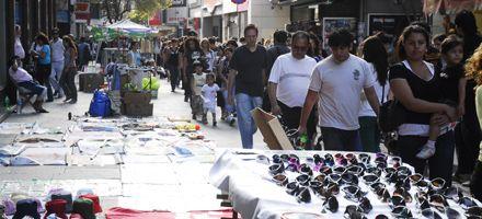El municipio desalojó a vendedores de las peatonales pero muchos regresaron