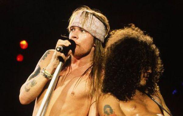 Enemigos íntimos. El cantante Axl Rose y el guitarrista Slash se amigaron 20 años después de su distanciamiento.