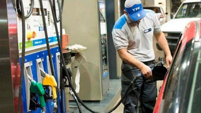 La nafta subirá nuevamente mañana. Será el decimosexto aumento desde que asumió Alberto Fernández en diciembre de 2019.
