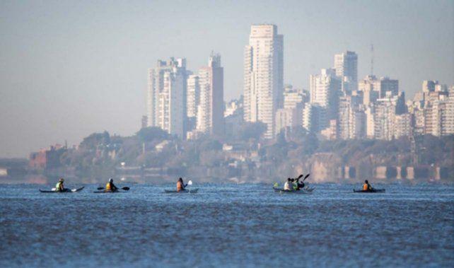 Travesía en kayak por la ley de humedales: las postales del primer día
