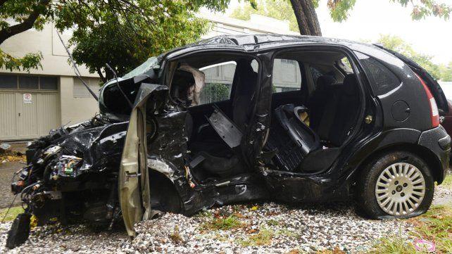El Citroen C3 que conducía David Pizzorno y en el que también viajaba su pequeño hijo Valentino. Ambos perdieron la vida en un siniestro vial en zona sur.