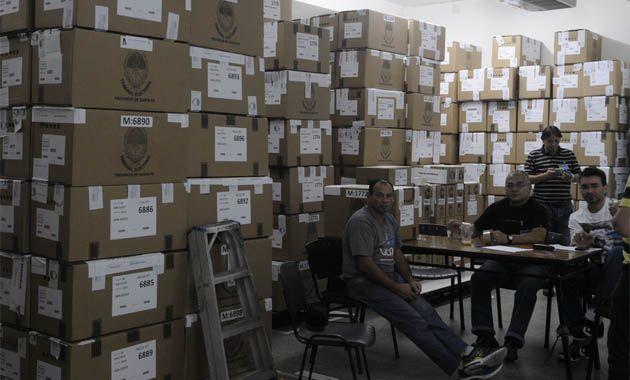 Todas las urnas fueron trasladadas a en Santa Fe donde se lleva adelante el escrutinio definitivo.