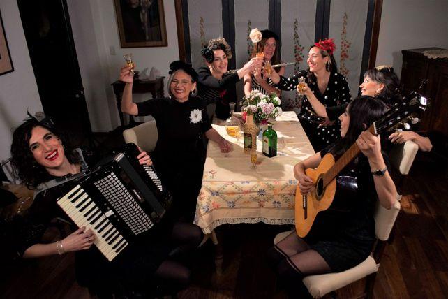 El show incluye composiciones de autores latinoamericanos y rosarinos y textos propios.