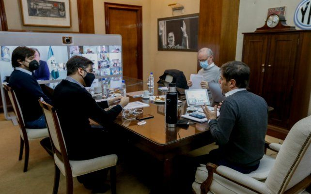 El gobernador Kicillof reunió a su comité de expertos
