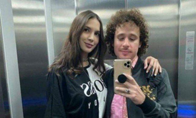 Luisito Comunica y su novia Ary Tenorio qiedarpm en el centro de la polémica por una foto.