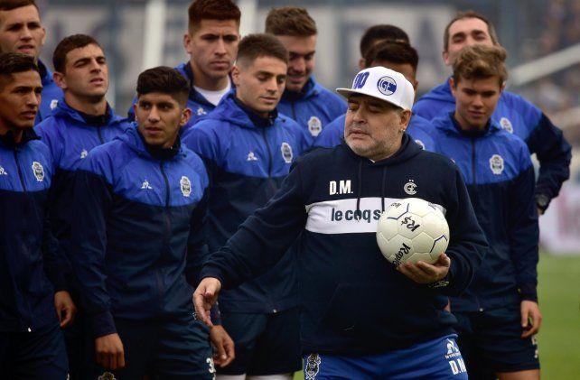 Maradona, listo para volver: El perfume del pasto es único