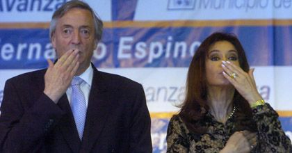 Para Pérez Esquivel, los Kirchner son igual al menemismo