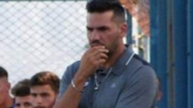El DT albo . Damián Sciretta quiere trabajar con 35 jugadores en la pretemporada que comenzaría entre el 12 y 19 de octubre.