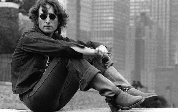 La muestra exhibirá imágenes que capturan la vida íntima y pública de Lennon.