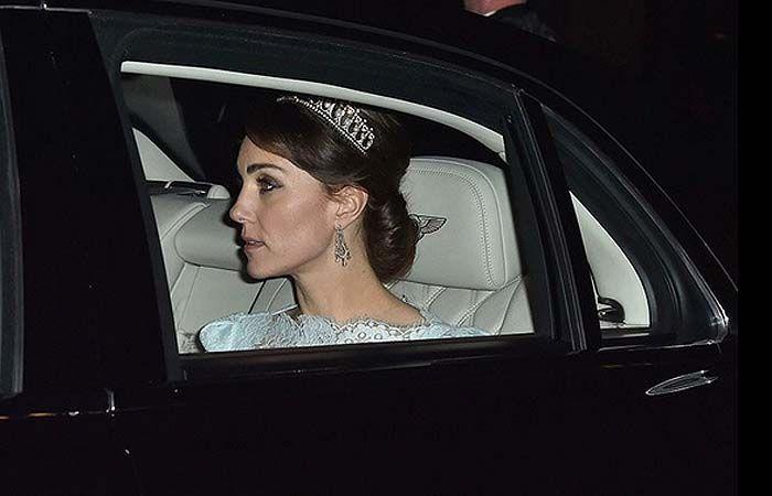 La duquesa usó para una cena de gala la tiara favorita de la suegra que no  conoció.