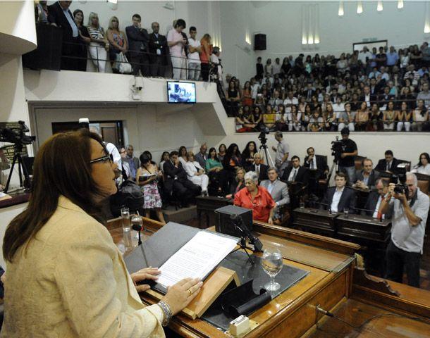 La intendenta reclamó al concejo una actitud seria y madura en la discusión por el boleto. (Foto: G. de los Rios)