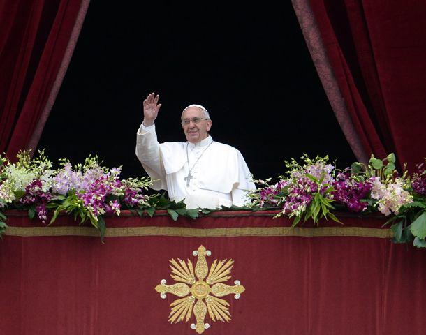 El Papa agradeció las flores que decoraban la plaza.