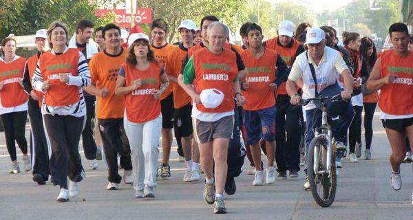 Lamberto, un Forrest Gump de la política: corrió 102 kilómetros en la campaña electoral