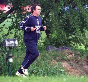 El Loco en los tiempos de la selección cuando salía a correr por el predio de Ezeiza.