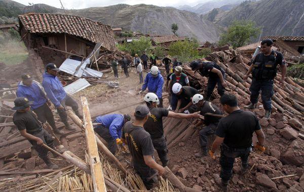 El sismo tuvo su epicentro a siete kilómetros al suroeste de Paruro y a una profundidad de ocho kilómetros.