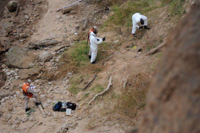 El Equipo Argentino de Antropología Forense trabajó en el lugar. (Foto: Celina Mutti Lovera)