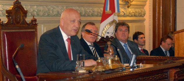 Bonfatti pedirá a la Legislatura que le autorice el endeudamiento.