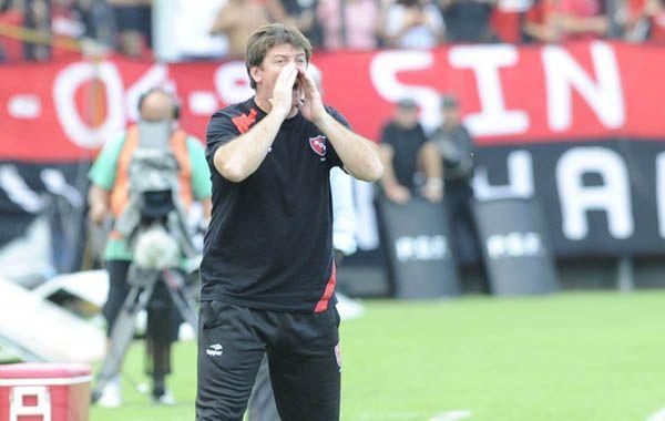 El entrenador Alfredo Berti se ve obligado a meter variantes en el equipo rojinegro.
