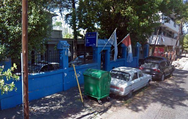 La fuga de la comisaría 9ª ocurrió cerca de las 20.30. (foto: captura Street View)