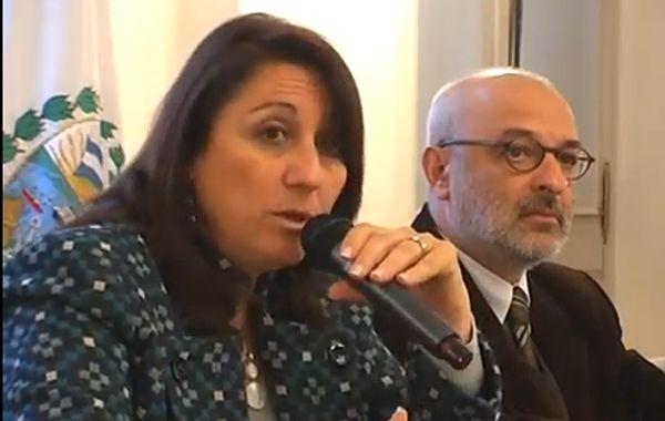 Mónica Fein y el secretario de Turismo Héctor De Benedictis encabezaron la firma del acuerdo.
