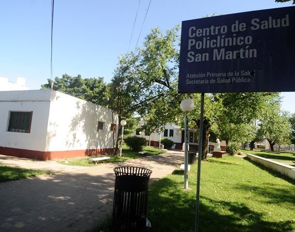 La pareja debió ser atendida en el Policlínico San Martín.